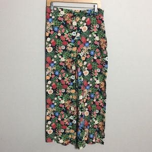 ZARA • High Rise Floral Wide Leg Cropped Pants